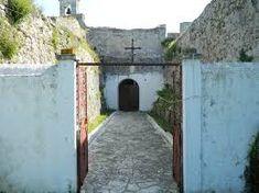 Η Αγία Μαύρα και το εκκλησάκι μεσα στο καστρο της Λευκαδας. Agia Mavra the church inside Lefkada castle