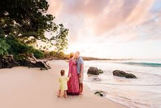 Big Island Sunset, Mauna Kea Beach, Family Photography - Hawaii — Wilde Sparrow Photography Co Waikoloa Family Photography Family Picture Poses, Family Photo Outfits, Family Photo Sessions, Family Pictures, Maternity Photography Poses, Beach Photography, Oahu Vacation, Vacation Ideas, Beach Maternity Pictures