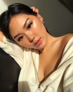 50 elegant natural smoky eyeshadow makeup ideas for fall party 2019 15 - Asian Beauty - Makeup Beauty Make-up, Asian Beauty, Beauty Hacks, Hair Beauty, Smoky Eyeshadow, Eyeshadow Makeup, Makeup Brushes, Eyeshadows, Asian Eyeshadow