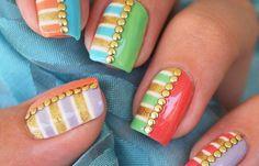 Diseños de uñas multicolor, diseño de uñas multicolor manicura. Clic Follow,  #decoraciondeuñas #3dnailart #uñasdiscretas