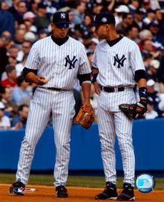 alex y derek Alex Rodriguez, Baseball Photos, Baseball Mom, Softball, My Yankees, New York Yankees, Derek Jeter, Beautiful People Movie, Bff Goals