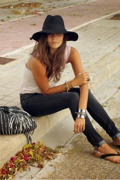 Discover and organize outfit ideas for your clothes. Decide your daily outfit with your wardrobe clothes, and discover the most inspiring personal style Beauty And Fashion, Look Fashion, Passion For Fashion, Womens Fashion, Street Fashion, Fashion 2014, Fashion Hair, Fashion Black, Fashion Models