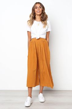 Willa Pant - Mustard - Source by - Flowy Pants Outfit, Summer Pants Outfits, Preppy Outfits, Mode Outfits, Cute Casual Outfits, Spring Outfits, Casual Dresses, Fashion Outfits, Casual Pants