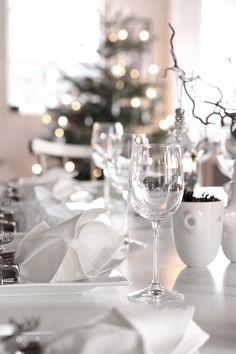 Christmas table, all natural