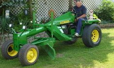 Mini Road Grader Project Stretch Tractor Five Feet - Page 2 - Garden Tractor Forum Small Tractors, Old Tractors, Lawn Tractors, Tractor Mower, Lawn Mower, John Deere Garden Tractors, Garden Tractor Pulling, John Deere Equipment, Heavy Equipment