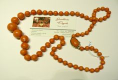 Necklace in Natural Japanese Coral Exceptional promotion until 01/03/2014 Beautiful natural coral necklace in Japanese, Firmness in 18kt yellow gold, total length 75 cm in gradation from mm8 the maximum size of 1.9 cm Weight 112 grams total price 4,900.00 Discounted price: euros 2,200.00 www.veneziagioielli.com