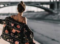 Tu inspiración para tener una vida más creativa y con estilo. Consejos de moda, belleza, salud, tips de manualidades e ideas para decorar Off Shoulder Blouse, Outfit, Casual, Blog, Tops, Women, Ideas, Fashion, Leather Pants
