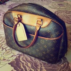 74ac4a4bd4ec Authentic Louis Vuitton Delightful PM tote