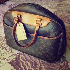 9b5868afbd11 Authentic Louis Vuitton Delightful PM tote