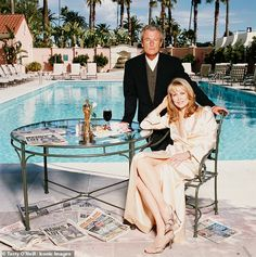 American actress Faye Dunaway and Terry O'Neill at the Beverly Hills Hotel, March Dunaway had just won the Best Actress Academy Award for her role in 'Network'. Terry O Neill, Jeanne Moreau, Swinging London, Faye Dunaway, Beverly Hills Hotel, The Beverly, Richard Avedon, Sean Connery, Steve Mcqueen