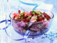 Heringssalat mit Roter Bete - smarter - Kalorien: 387 Kcal - Zeit: 25 Min. | eatsmarter.de