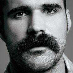 All men should have bushy mustaches. Walrus Mustache, Mustache Styles, Beard No Mustache, Mustache Grooming, Moustaches, Cool Mustaches, Hairy Men, Bearded Men, Medium Length Wavy Hair