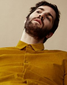 Photography by Piczo Love is once again in the air for actor, musician, and hopeless romantic Jim Sturgess, who stars in the sprawling, starry-eyed science-fiction odyssey Cloud Atlas. Afro, Beautiful Men, Beautiful People, Pretty People, Jim Sturgess, Beard Love, Men Beard, Beard Style, Charming Man