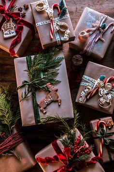 Christmas Mood, Noel Christmas, All Things Christmas, Christmas Lights, Amazon Christmas, Christmas Pajamas, Christmas Quotes, Outdoor Christmas, Christmas Gift Wrapping