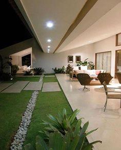 40 Fabulous Modern Garden Designs Ideas For Front Yard and Backyard – front yard design modern Modern Garden Design, Modern House Design, Modern Landscape Design, Garden Landscape Design, Balcony Garden, Garden Plants, Herb Garden, Backyard Plants, Outdoor Plants
