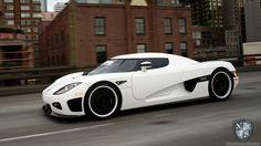 White Koenigsegg CCX Sideview