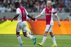 Riechedly Bazoer speelt zondag een wedstrijd tegen zijn oude club PSV. Nog steeds is de 18-jarige middenvelder blij met zijn keuze om zijn oude club te verlaten.
