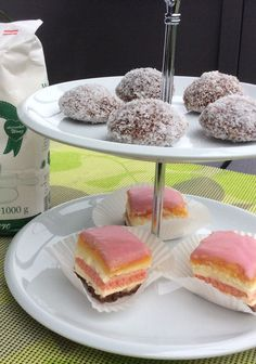 Kokos Gupferl Doughnut, Cereal, Dairy, Food And Drink, Sweets, Breakfast, Desserts, Punch, Sheet Cakes