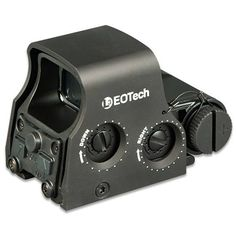 EOTech Holographic Weapon Sight 65 MOA Circle 1 MOA Aiming Dot Magnification Oh yeah, ol' Rambo would love one of these! Ar Rifle, Rifle Scope, Rifles, Eotech Sights, Red Dot Optics, Ar Pistol Build, Battle Rifle, Survival Gear, Survival Hacks