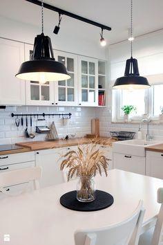 Biale Meble Kuchenne Aranzacje Uniwersalnosc Na Macierzynskim Kitchen Interior Home Decor Kitchen Kitchen Design Small