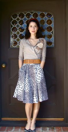 Love the cinched sweater tucked in styling by Marie of Michiko Daydreams (via effortless anthropologie)