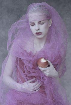 noirdivoir: Dark Beauty Magazine Model: Agnieszka PietronPhotographer: Andrzej Przestrzelski