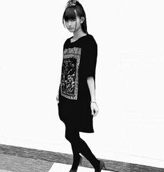 写真: 拾い物です(≧∀≦) Sakura Gakuin, Moa Kikuchi, Everything And Nothing, Heavy Metal Bands, Metal Girl, Best Black, Woman Crush, Japanese Girl, My Idol