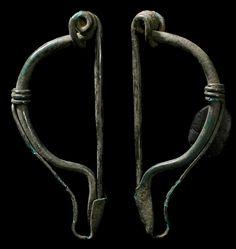 roman-fibula-p-shape-Ancient Celtic. La Tene II type brooch, 2nd-1st century BC…