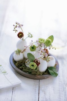 Easter Centerpieces - Inexpensive Easter Centerpieces