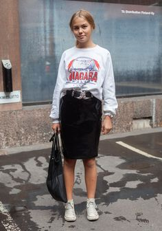 Alexandra - Hel Looks - Street Style from Helsinki    I love her Niagara Falls shirt, it's ironic seeing someone Finnish wearing a shirt from my country.