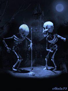 esqueleto baile fun divertido gif pictures trick or treat Feliz Halloween, Halloween Gif, Halloween Pictures, Vintage Halloween, Happy Halloween, Creepy Vintage, Halloween Fashion, Halloween Skull, Halloween Pumpkins