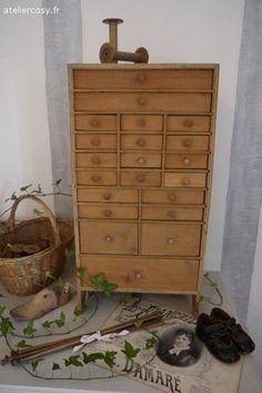 Petit meuble ancien à tiroirs Brocante de charme atelier cosy.fr
