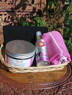 Moroccan hamman kit with small towel. http://www.maroque.co.uk/showitem.aspx?id=ENT06438&p=00740&n=all