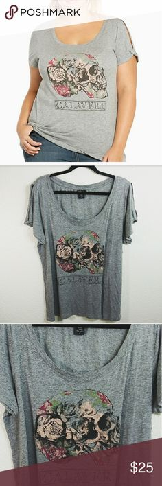 f578e5b558f5a See more. Torrid Skull Roses Calavara Tee Size 2 Very good conditon.  Heather Grey. Split sleeve