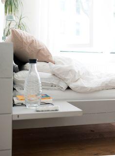AuBergewohnlich Bequemes Und Funktionales DIY Bett Mit Optionalem Nachttisch. #deinoriginal  I Bett Diy I