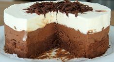 Good Chocolate Dessert Recipes is One Of Beloved Of Many Persons Round the World. Besides Simple to Create and Excellent Taste, This Good Chocolate Dessert Recipes Also Health Indeed. Greek Sweets, Greek Desserts, Köstliche Desserts, Best Dessert Recipes, Sweets Recipes, Cake Recipes, Triple Chocolate Mousse Cake, Best Chocolate Desserts, Tasty Chocolate Cake
