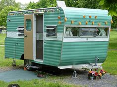 Sweet vintage aqua/green trailer- I love this!  Must paint mine like this!
