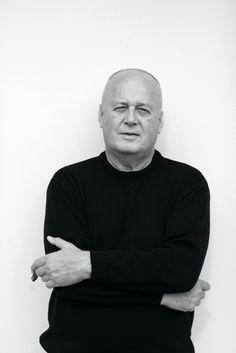 1970. Alberto Alessi, nieto del fundador, propone convertir a obras de arte los objetos cotidianos colaborando con los mejores diseñadores, arquitectos y escultores internacionales del momento.