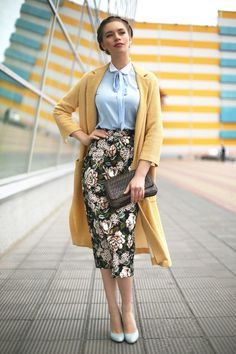 nice Modest Fashion doesn't mean frumpy! Fashion Tips (and a free eBook) here: eepurl...