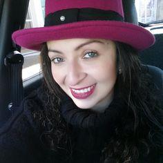 Chapéu de Feltro... Melhor e mais estilosa proteção nos dias frios  GLOSS ACESSÓRIOS & ATELIÊ Nenhuma delas usa, só Você!