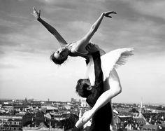 Ballerina Ballet Black And White Dance Girl Inspiring Shall We Dance, Lets Dance, Ballet Companies, Cinema, Dance Movement, Dance Lessons, Royal Ballet, Favim, Dance Photography