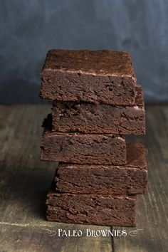 Thick, rich and super fudgy Paleo Brownies. No dairy, no grains (so no gluten!), no refined sugars, and still amazingly rich and delicious. (chocolate no bake cookies fudgy brownies) Gf Recipes, Gluten Free Recipes, Whole Food Recipes, Low Carb Recipes, Cooking Recipes, Recipies, Gluten Free Sweets, Gluten Free Baking, Healthy Sweets