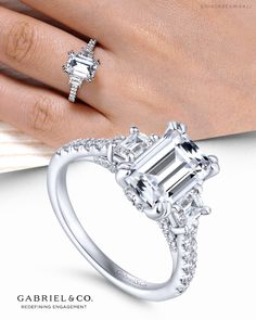 GS /& CO Exclusive 925 Sterling Silver Sparkling Cubic Zircon Diamond for Men/'s /& Boys Gift