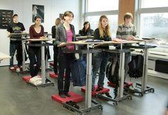 Schluss mit Sitzenbleiben » kyBounder fördert Aufmerksamkeit in über 120 Klassenzimmern in Deutschland – Im Schnitt sitzen Kinder pro Woche 30 Stunden in der Schule und durch Doppelstunden ist der Bewegungsanteil noch geringer. Zudem fördert der kyBounder die Aufmerksamkeit und Freude am Lernen. kyBounder ab $129