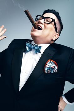 Orange is the New Black and Broadway star Lea DeLaria sings David Bowie Butch Fashion, Androgynous Fashion, Orange Is The New Black, Social Change, Over The Rainbow, David Bowie, Style Guides, Lgbt, Pop Culture