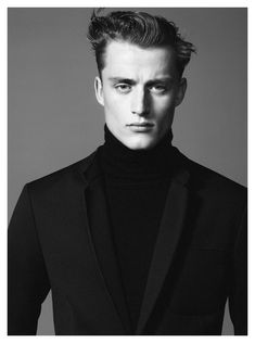 Fashion photographer David Sims teams up once again with Bastiaan Van Gaalen, this time the two shoot the latest Zara ad campaign. David Sims, Zara Models, Preppy Casual, Portrait Lighting, Model Test, Zara Man, Dapper, Photoshoot, Mens Fashion