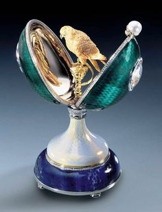 "a FABERGE eggs__Beautiful Golden Bird""___a-- https://architectureandinteriordesign.wordpress.com/2013/04/17/faberge-egg/"