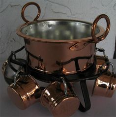 Swedish copper glögg pot with copper cups. Where do I find this?! Want!
