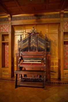 I love this self-contained pipe organ in the mysterious Winchester House, San Jose CA.