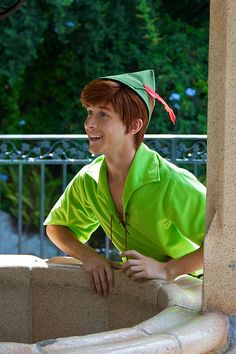 Spieling Peter Pan-----i LOVE this guy, u have no idea